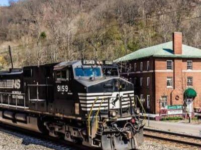 All Aboard! Railfanning, Elkhorn Inn & Theatre